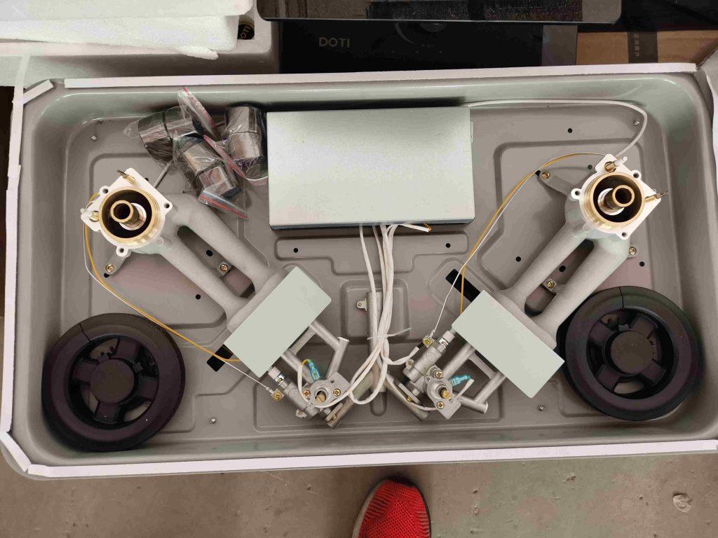 燃气炉灶具厂家在燃气炉灶生产中的现场煤气炉燃气灶内部结构