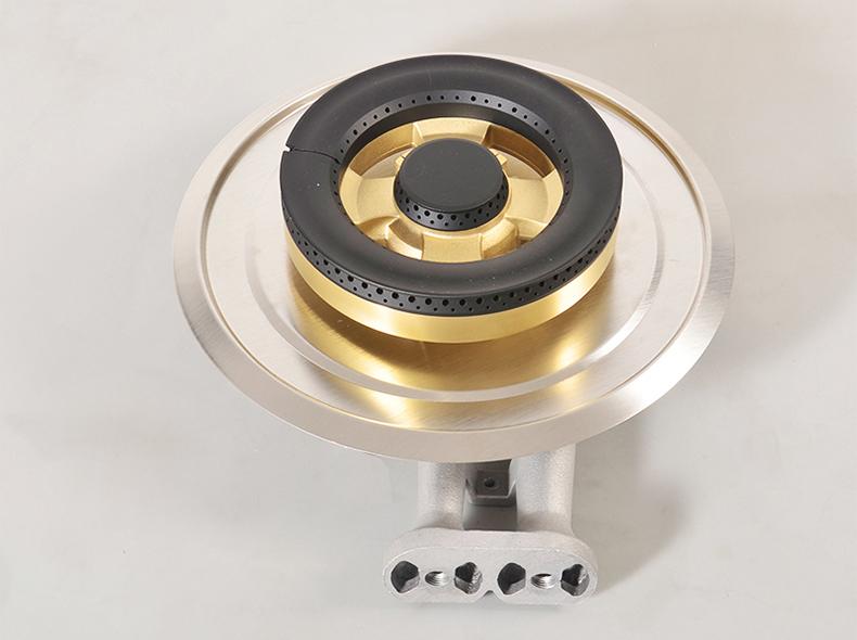 燃气灶厂家的嵌入式铝炉对与铜分火器安装效果